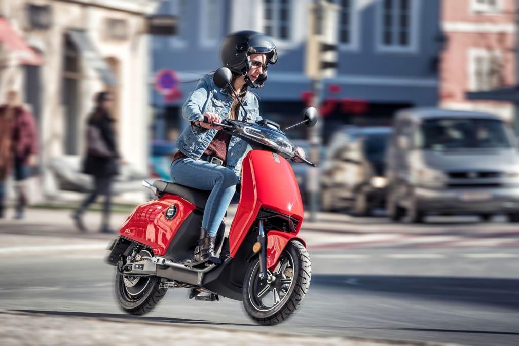 e-scooter vs motoroller