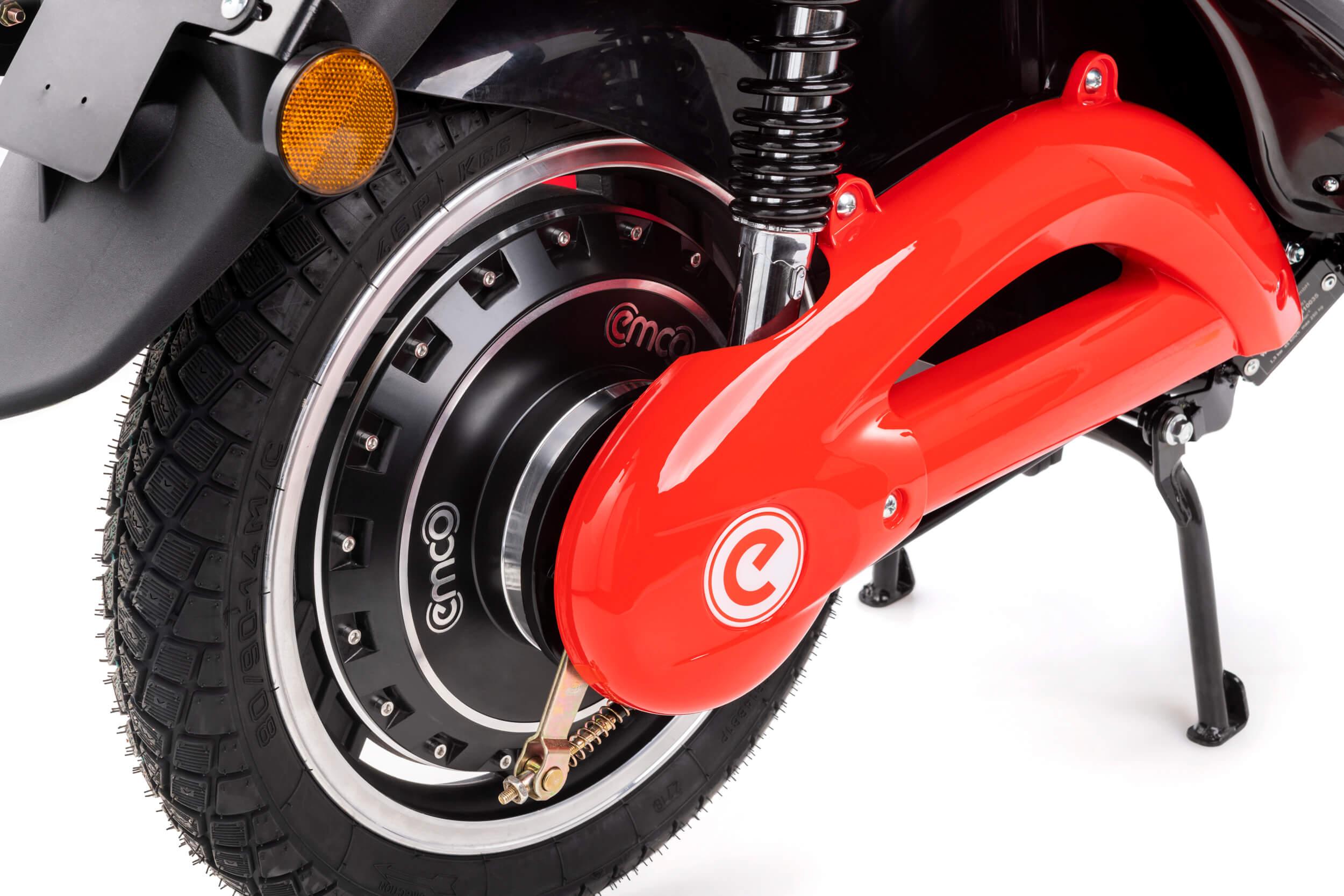 elektroroller-e-scooter-novi-hinterrad