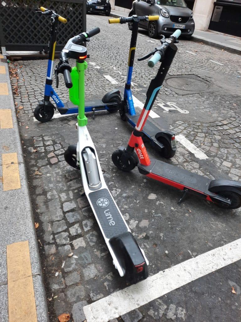 E Scooter Parkplätze und Parkzonen